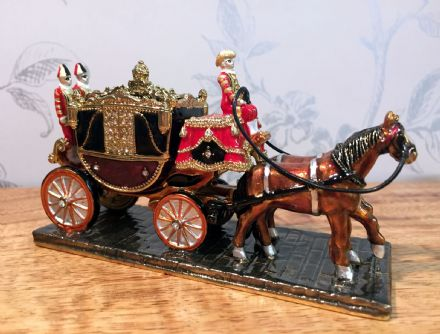 Royal Coach & Horses Metal & Enamel Trinket Box Jewellery Holder